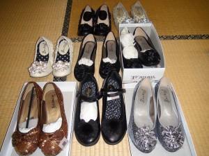 東日本大震災復興支援活動(4月・婦人靴仕分け作業) 震災復興支援